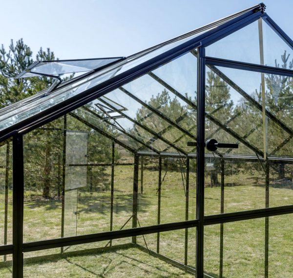Stiklinis išmanus šiltnamis lietuvių gamintojų - Gampre